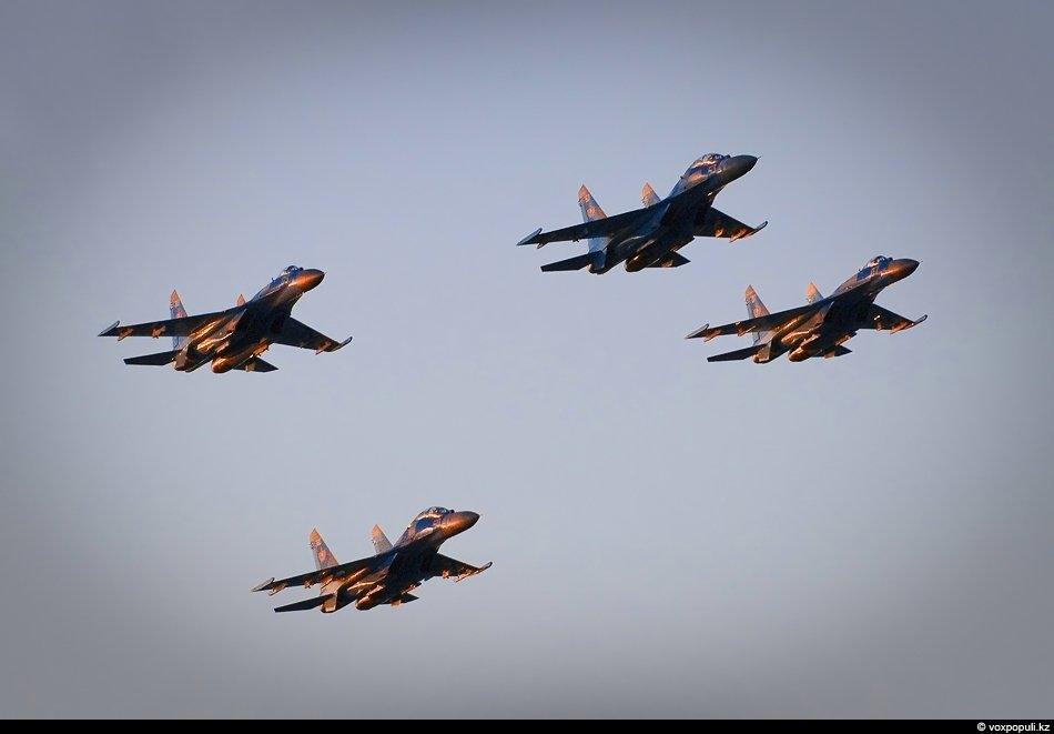 Аналог Су-27 - американский всепогодный тактический истребитель четвертого поколения McDonnell Douglas F-15 Eagle