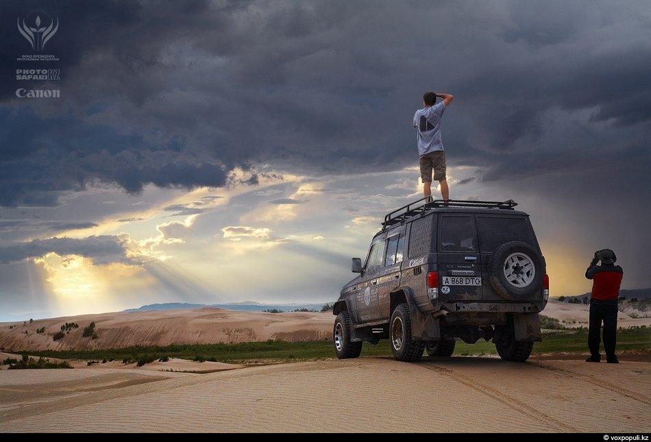 Непогода, заставшая нас в прибрежных дюнах Деревянного озера, оказалась настоящим подарком для фотографов. Лучшие кадры...