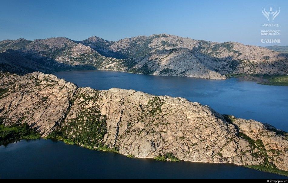 Сибинские озера с высоты птичьего полета. Фотография получена с помощью мультикоптера