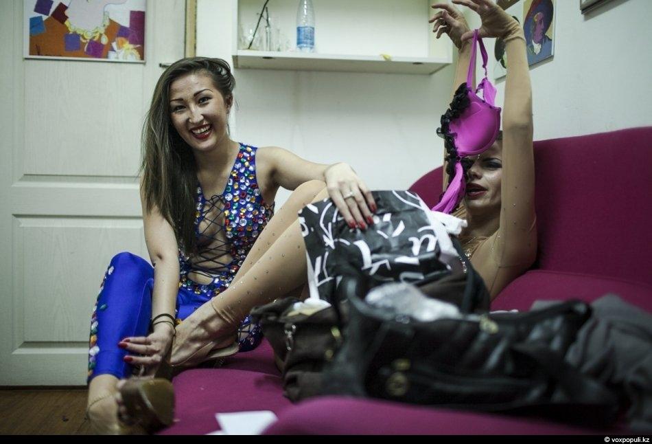 Смотреть стриптиз за деньги казахстанские фото 667-710