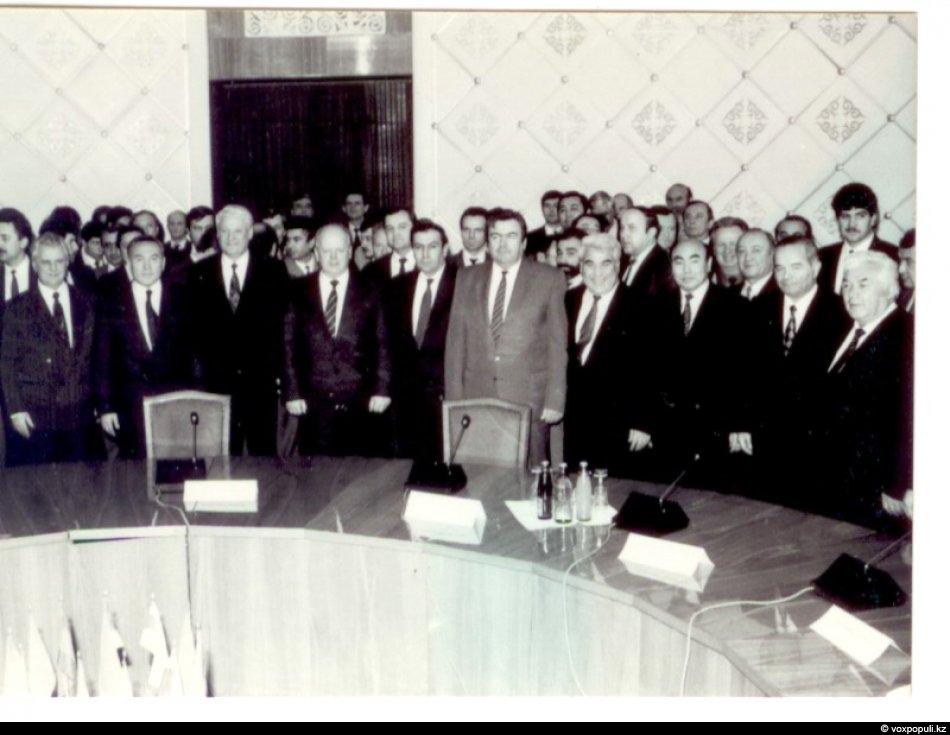 21 декабря 1991 года для обсуждения связанных