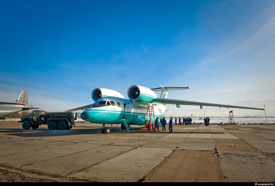 Изначально Ан-72 создавался для работы в крайне неблагоприятных климатических условиях, к примеру, в условиях низких...