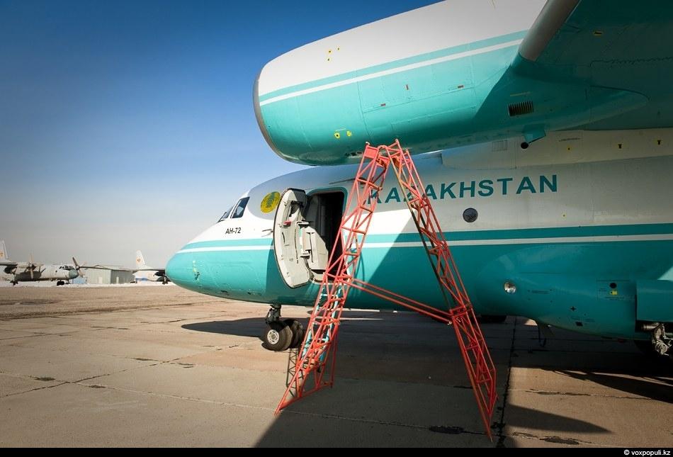 Транспортный самолет украинского ОКБ Антонова Ан-72 был создан специально для выполнения тактических миссий с использованием...