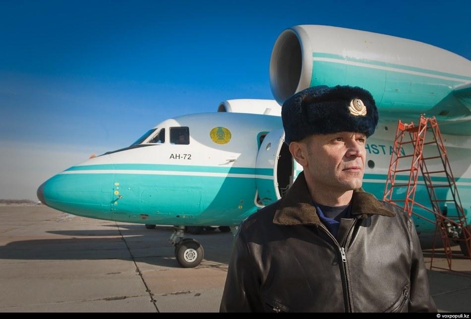 Игорь Бeйлин, старший летчик-инструктор военно-транспортной авиации ВВС РК и большой специалист по Ан-72.