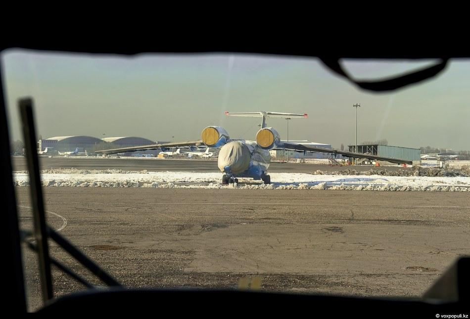 Вчера вечером, в 18.55 в 20 километрах от аэропорта Шымкента на подлете потерпел крушение самолет...