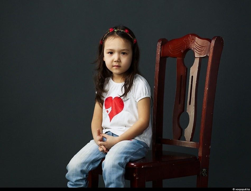Махаббат хикаялары: Жанна, 4 жаста: - Махаббат - бұл бүткіл әлемде бейбітшілік.  Мен анамды, әкемді, тәтемді және.